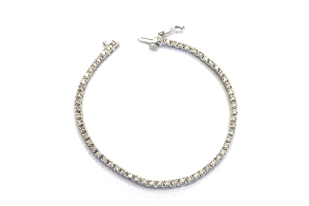 Diamond tennis bracelet in white gold