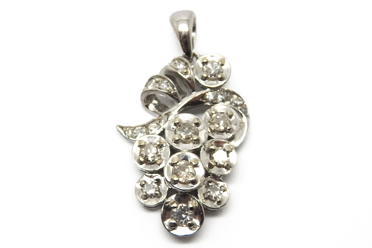 Stylised grape pendant with old cut diamonds