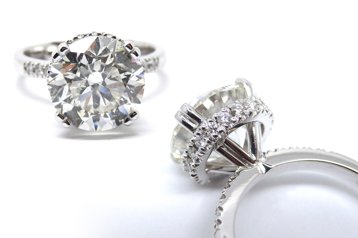 Large diamond solitaire with an under halo